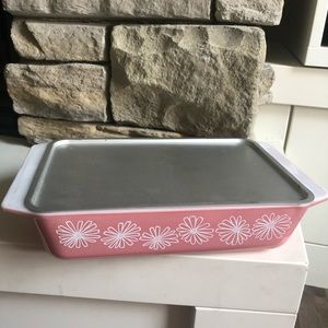 Pyrex 575 Pink Daisy Space Saver with Metal Lid.